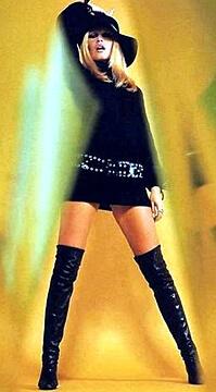 1960s fashions - mini skirt