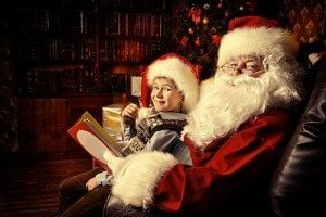 Santa-Claus-in-his-everyday-cl-74209504