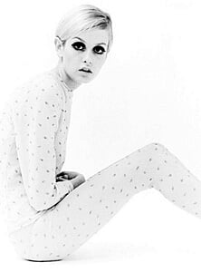 1960s fashion model Twiggy